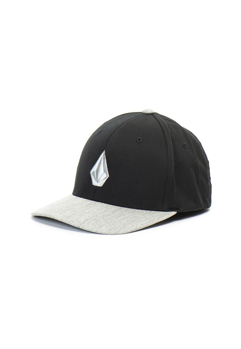 Sapca cu logo brodat Full Stone Flexfit de la Volcom
