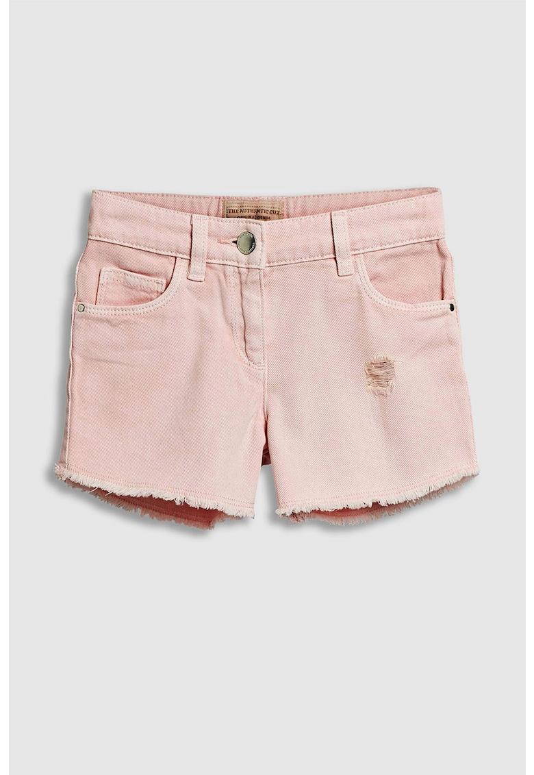 Pantaloni scurti de denim cu terminatie franjurata