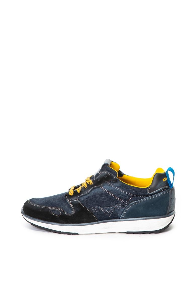 Pantofi sport cu talpa plata si aspect de denim