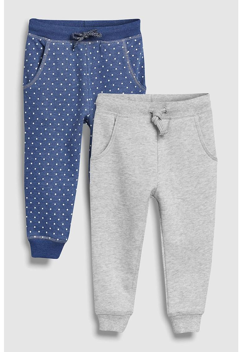 Set de pantaloni sport cu diverse modele - 2 perechi
