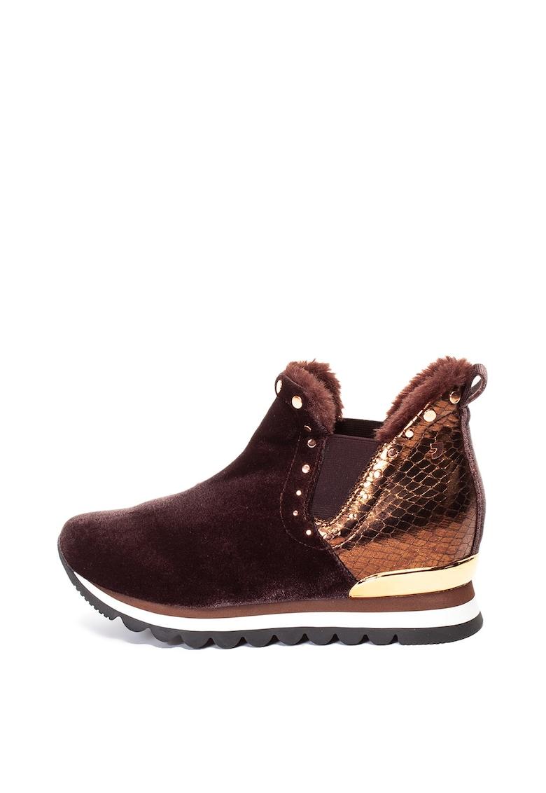 Pantofi sport slip-on de piele ecologica si catifea - cu talpa wedge ascunsa