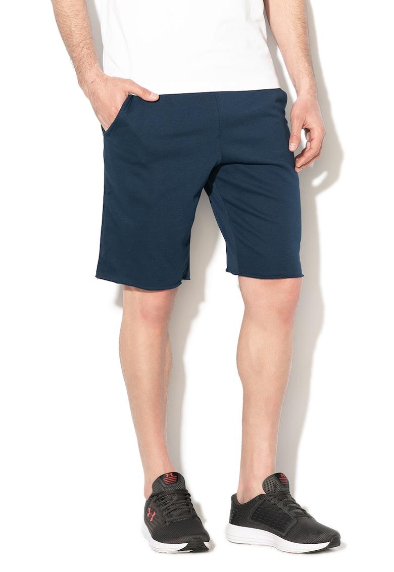 Pantaloni scurti - pentru fitness Terry de la Under Armour