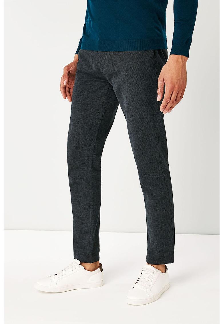 Pantaloni chino slim fit cu aspect texturat de la NEXT