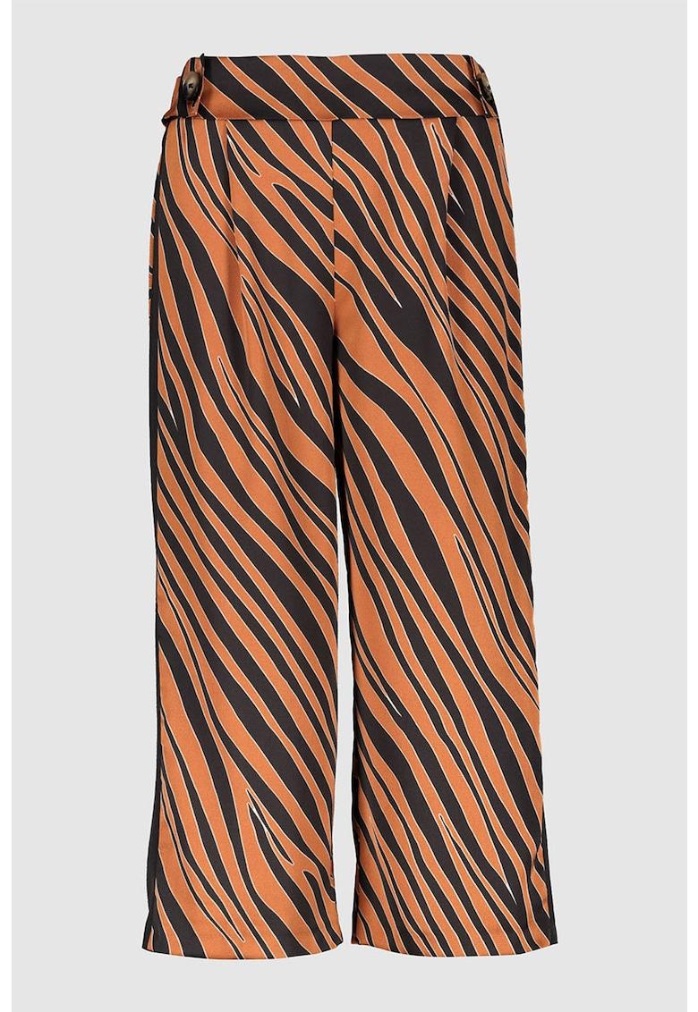 Pantaloni crop cu croiala ampla