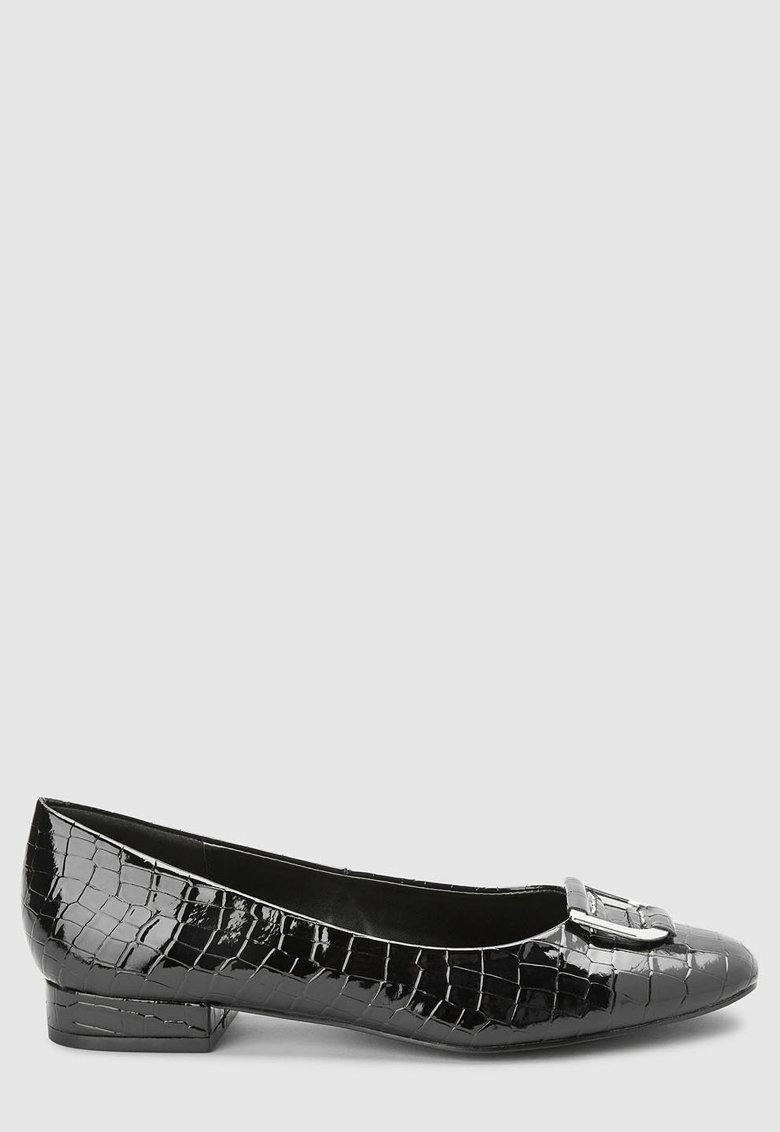 Pantofi cu model crocodil si detaliu metalic