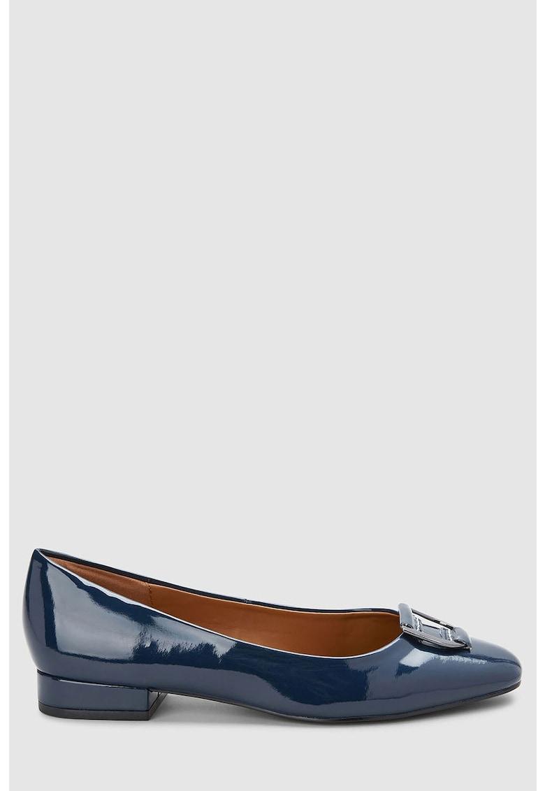 Pantofi de piele ecologica cu aspect lacuit