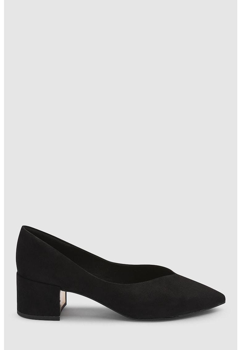 Pantofi cu toc masiv si varf ascutit de la NEXT