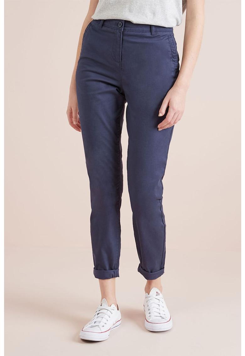 Pantaloni chino cu buzunare oblice de la NEXT