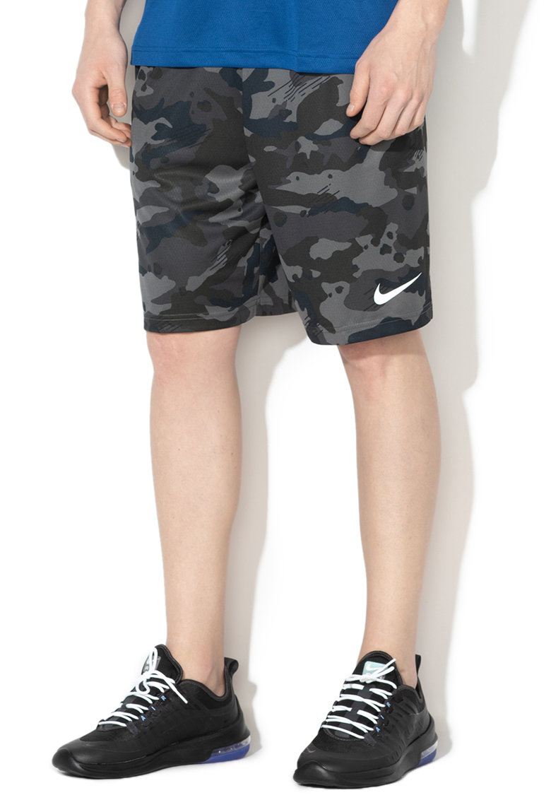 Bermude cu imprimeu camuflaj si Dri Fit - pentru antrenament de la Nike