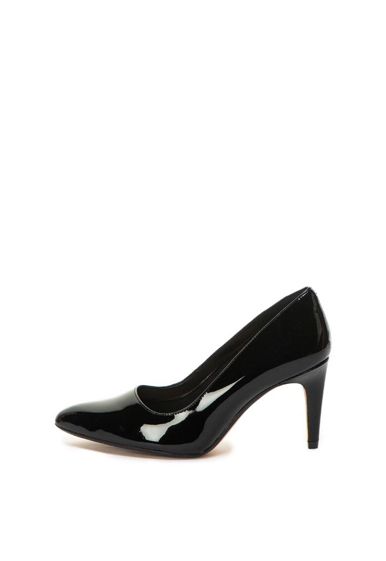 Pantofi de piele lacuita cu varf ascutit Laina Rae de la Clarks