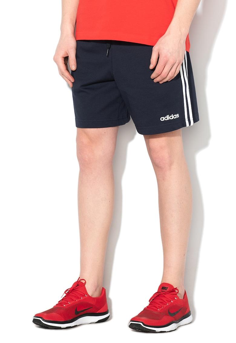 Pantaloni sport tip bermude cu imprimeu logo - pentru fitness imagine fashiondays.ro 2021