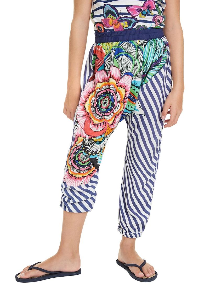 Pantaloni cu model in dungi si talie elastica imagine fashiondays.ro 2021