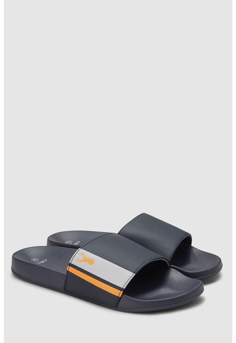Papuci de la NEXT