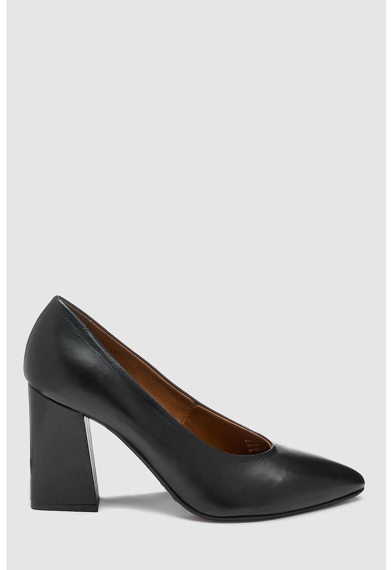 Pantofi de piele cu varf ascutit si toc masiv de la NEXT