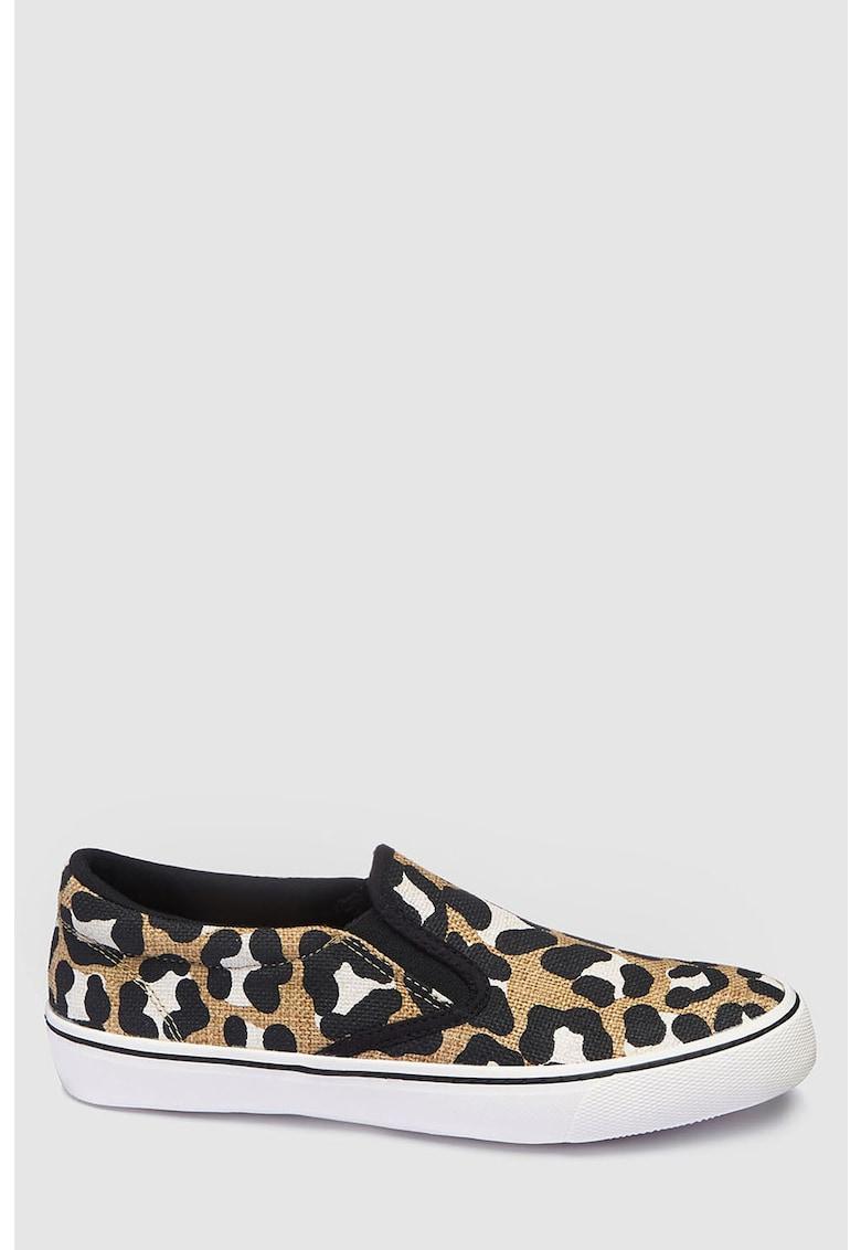 Pantofi slip on cu animal print de la NEXT