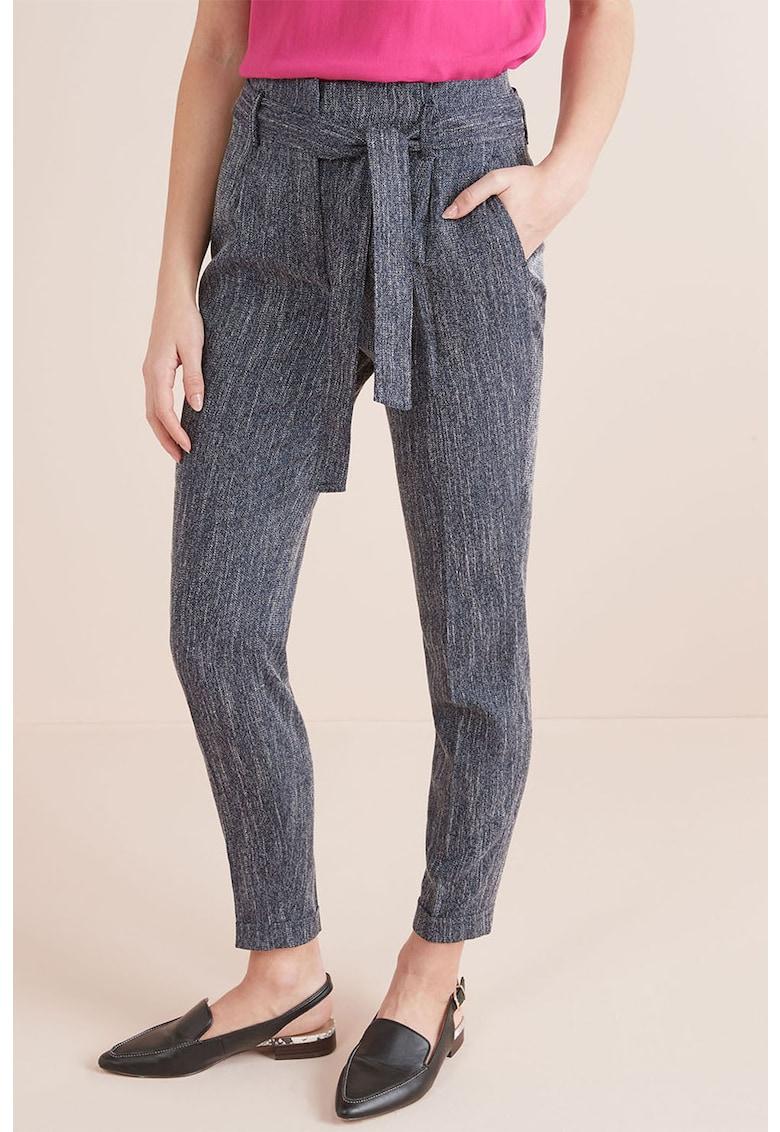 Pantaloni conici cu cordon in talie