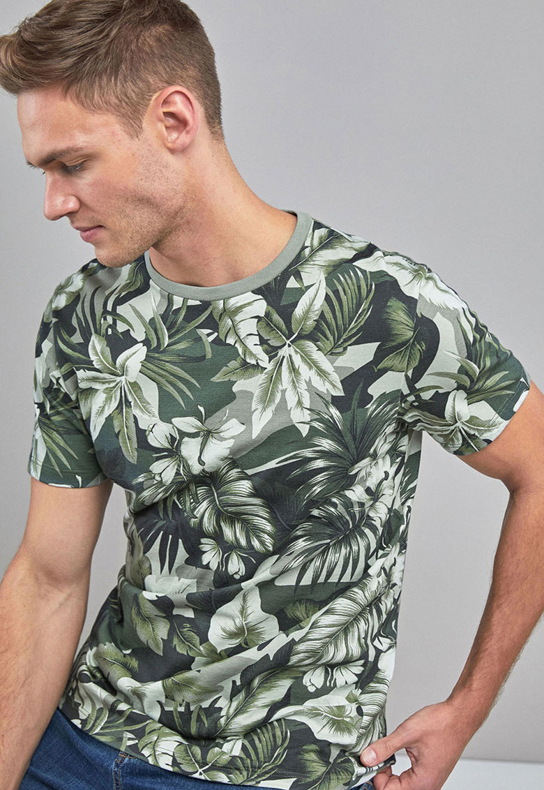 Tricou regular fit cu model floral