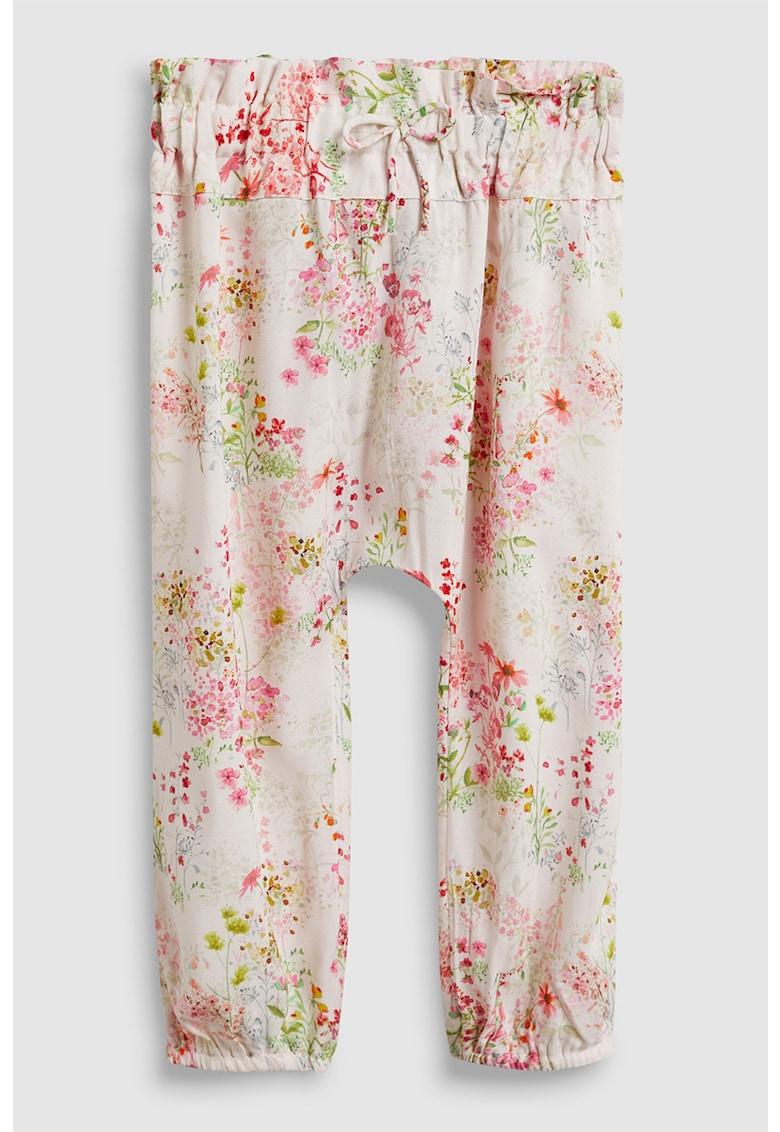 NEXT Pantaloni cu model floral si tur lasat