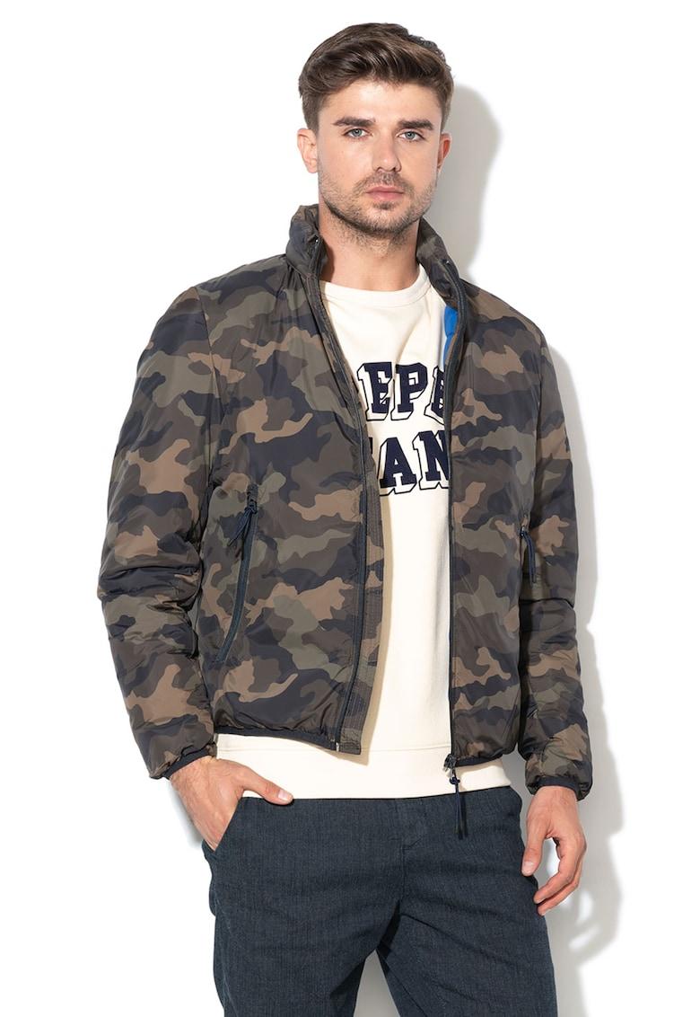 Jacheta cu vatelina subtire si model camuflaj Rick de la Pepe Jeans London
