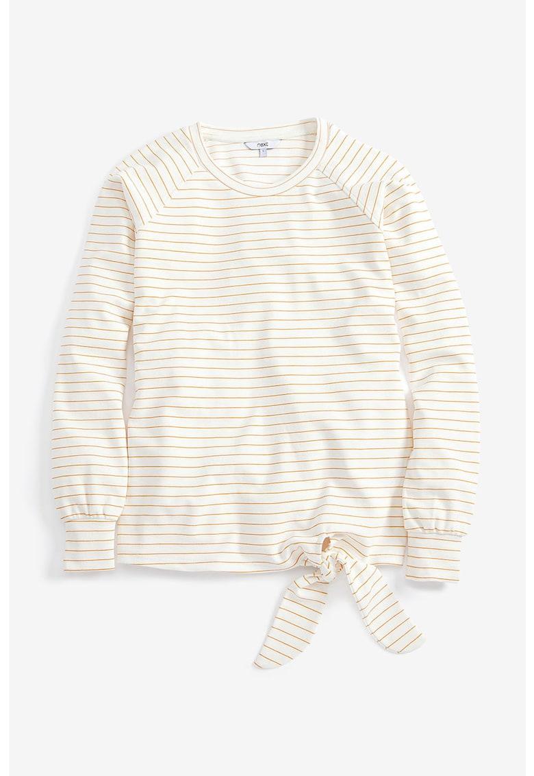 Bluza in dungi cu detaliu innodat