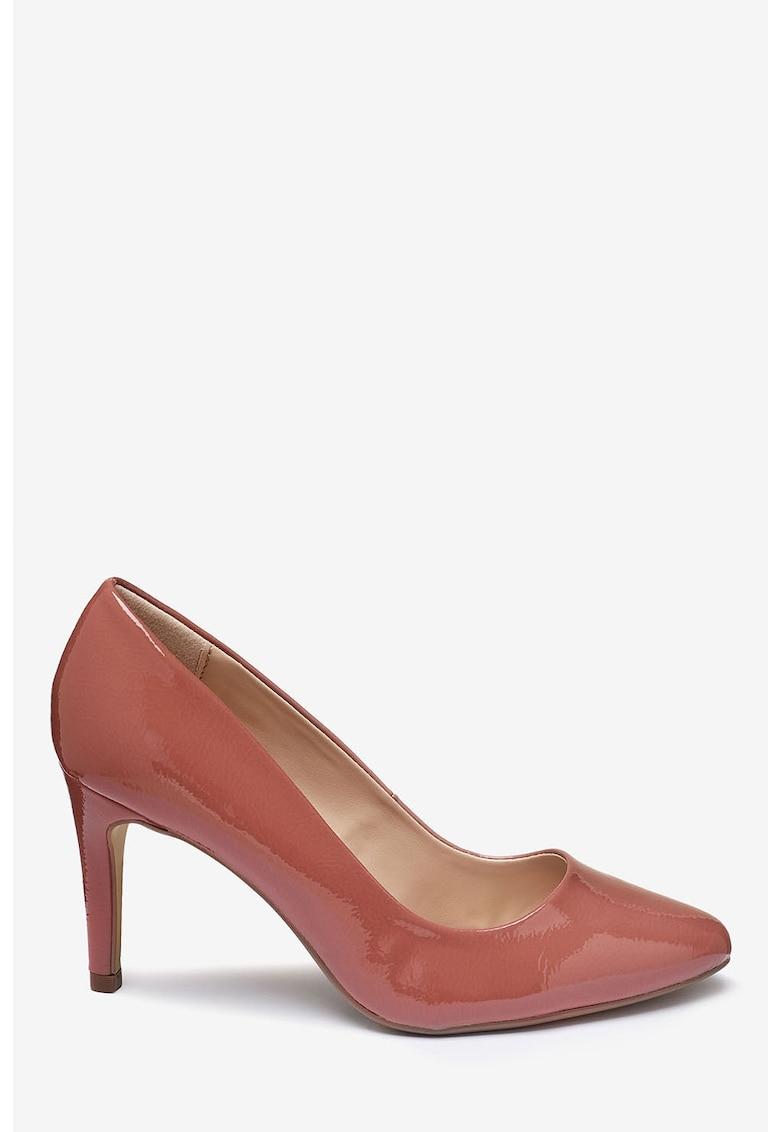 Pantofi de piele ecologica lacuita cu varf migdalat de la NEXT