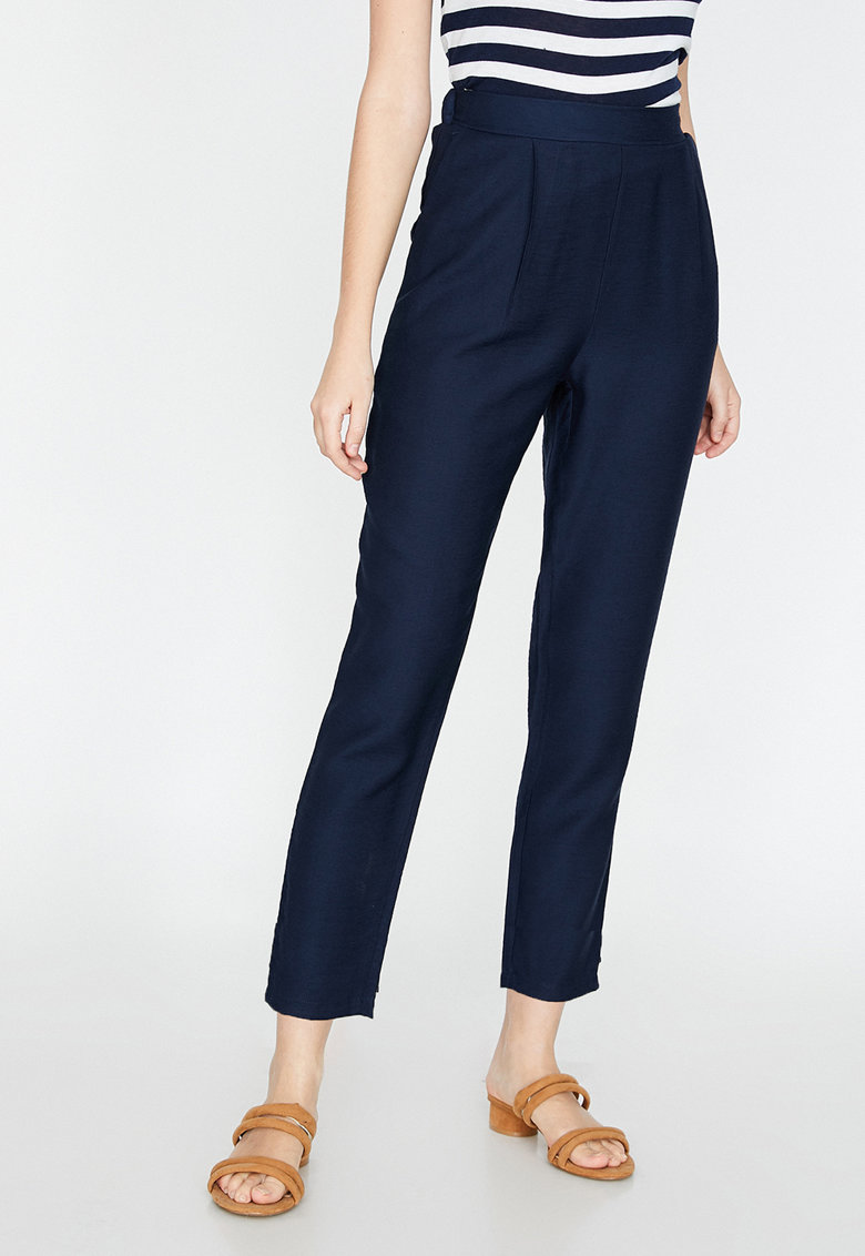 Pantaloni crop slim fit 4