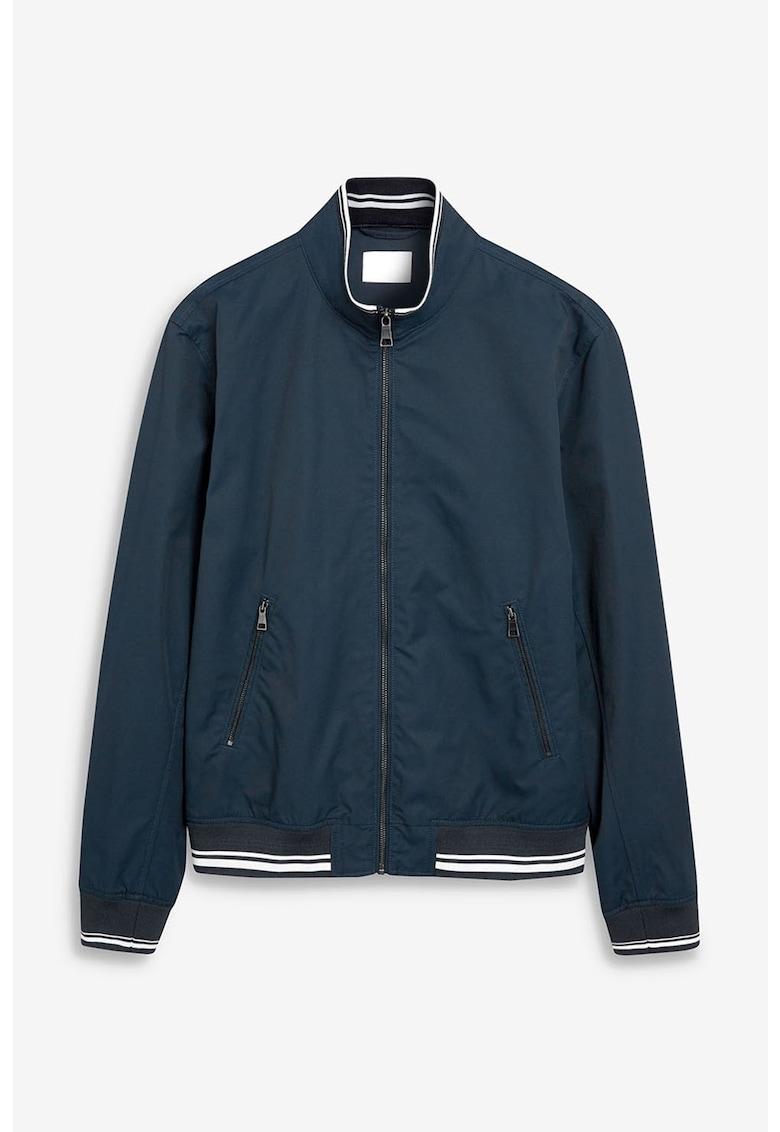 Jacheta usoara cu garnituri contrastante