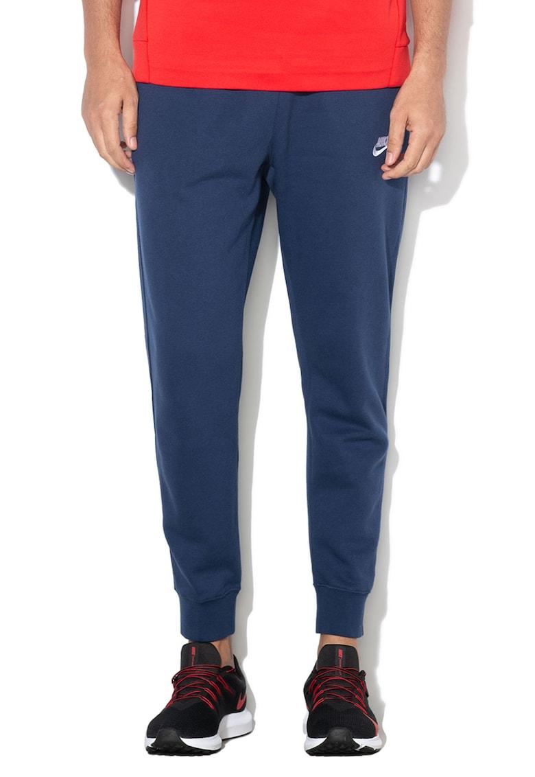 Pantaloni sport standard fit cu croiala conica de la Nike