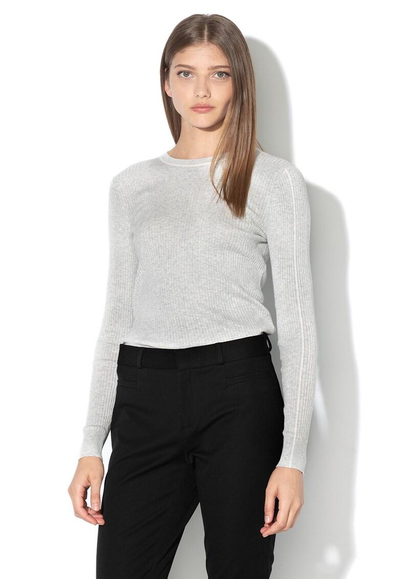 Bluza cu striatii si detalii contrastante