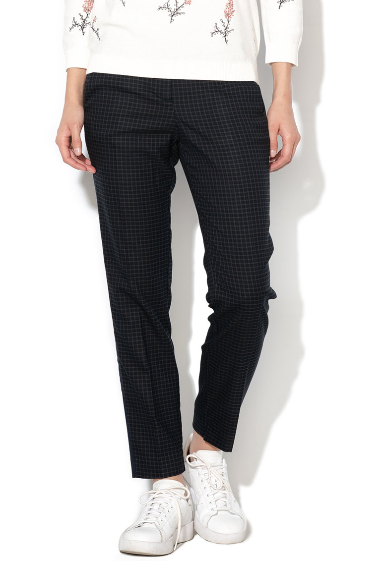 Pantaloni slim fit cu model in carouri Mia
