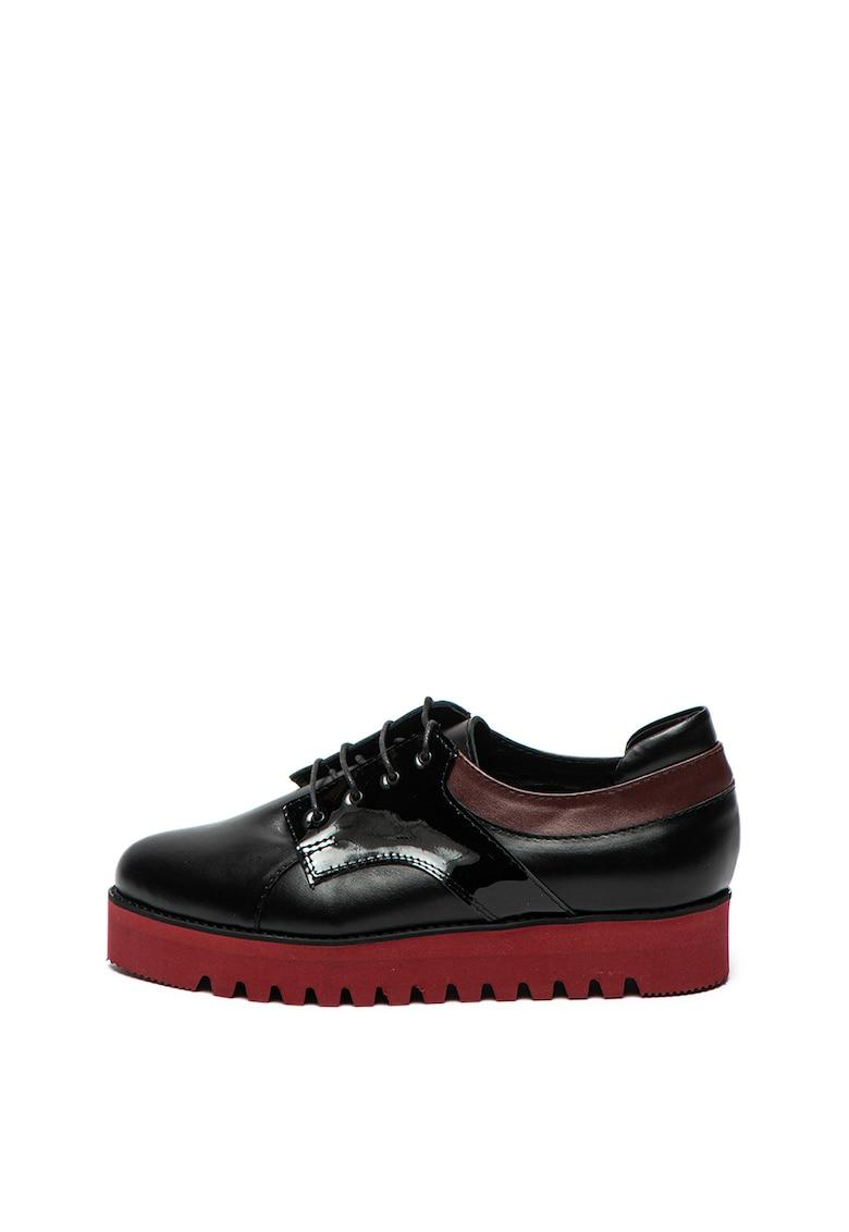 Pantofi de piele cu insertii de piele lacuita de la Mihaela Glavan