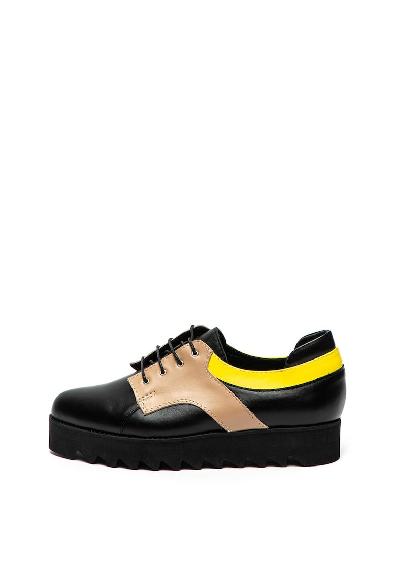 Pantofi de piele cu talpa cu striatii