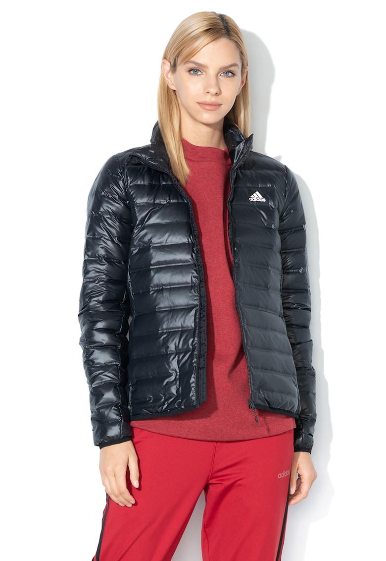 Jacheta cu umplutura de puf