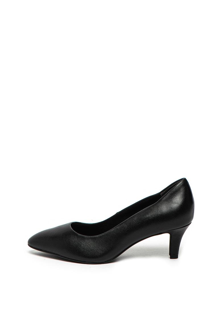 Pantofi de piele cu toc kitten de la Tamaris