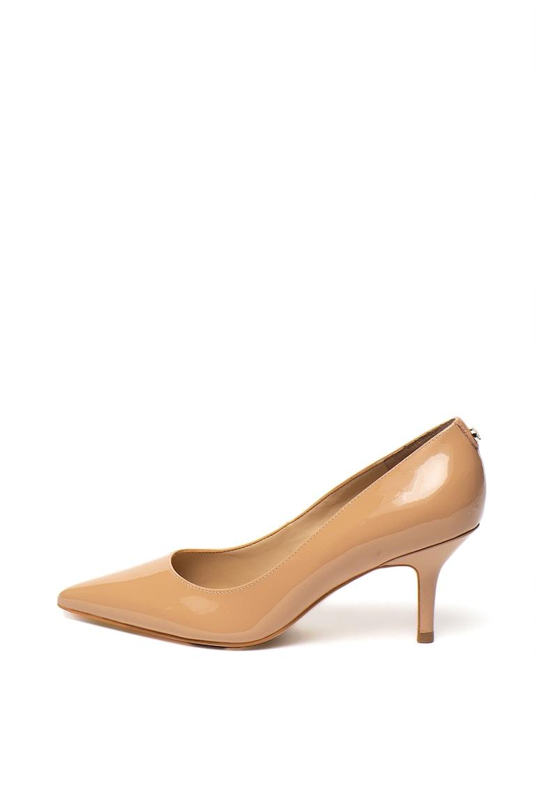 Pantofi de piele lacuita - cu toc kitten de la Guess