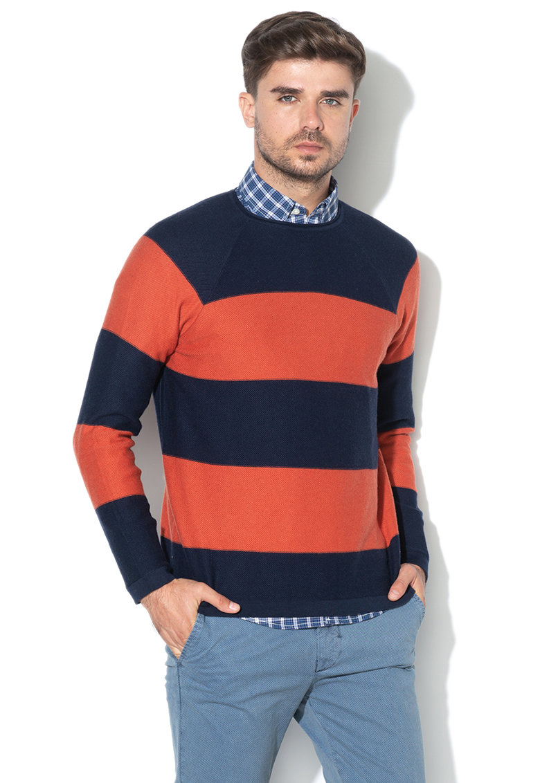 Pulover din tricot fin - cu model in dungi