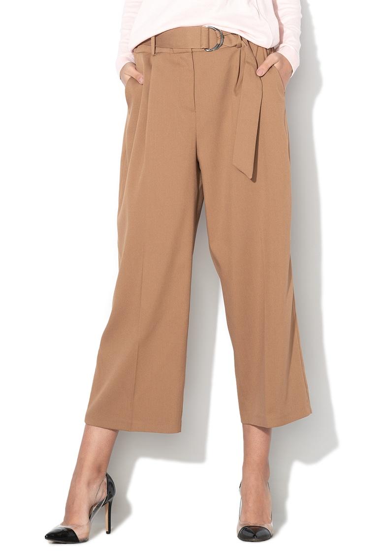 Pantaloni drepti cu pensa si curea