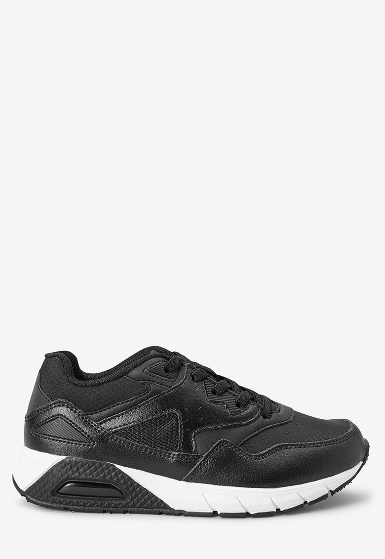 Pantofi sport de piele – cu insertii de plasa NEXT
