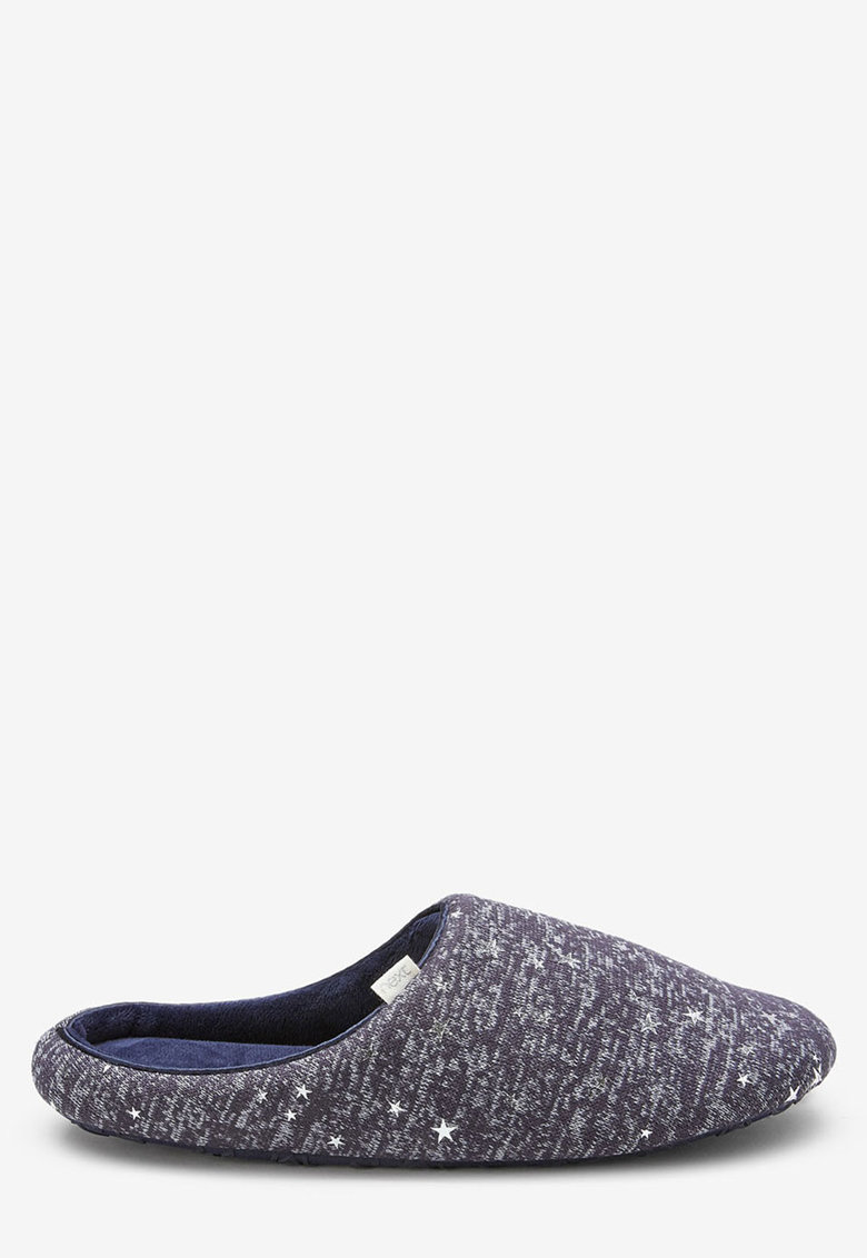 Papuci de casa cu aplicatii in forma de stea