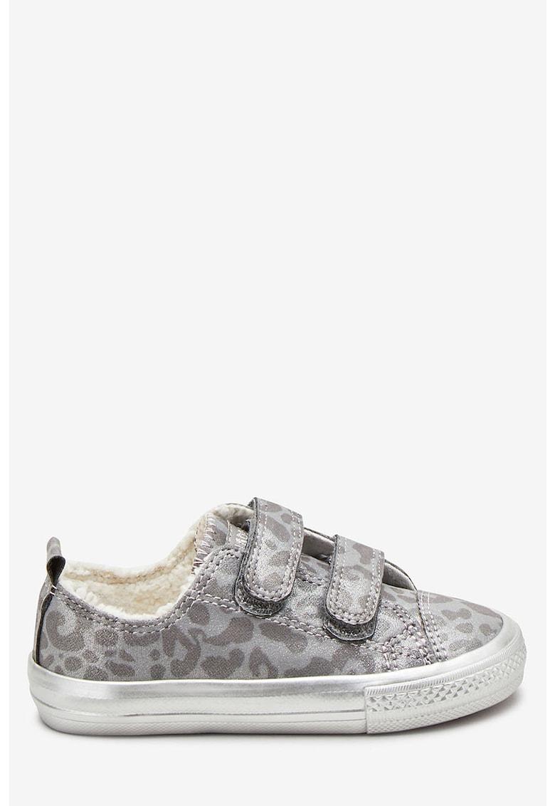 Pantofi sport cu animal print si aspect stralucitor de la NEXT
