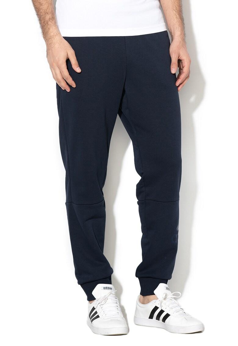 Pantaloni sport cu terminatii cu snururi