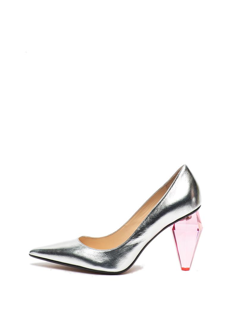 Pantofi de piele cu varf ascutit si aspect metalizat