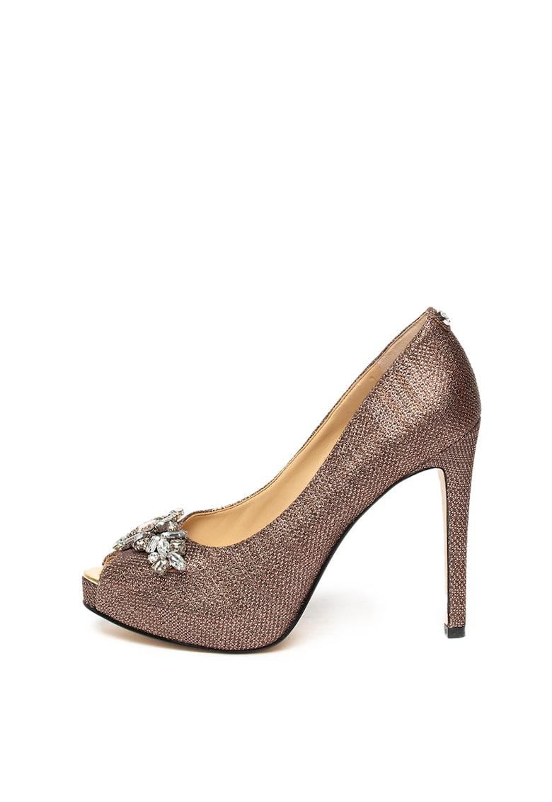 Pantofi cu aplicatii de strasuri