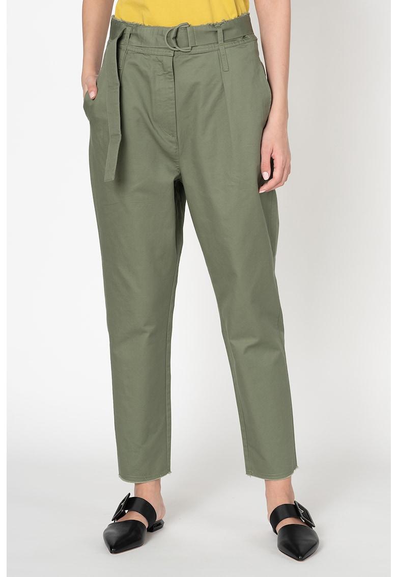 Pantaloni conici cu o curea Diego imagine promotie
