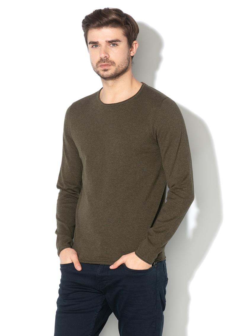 Pulover din tricot fin - cu decolteu la baza gatului