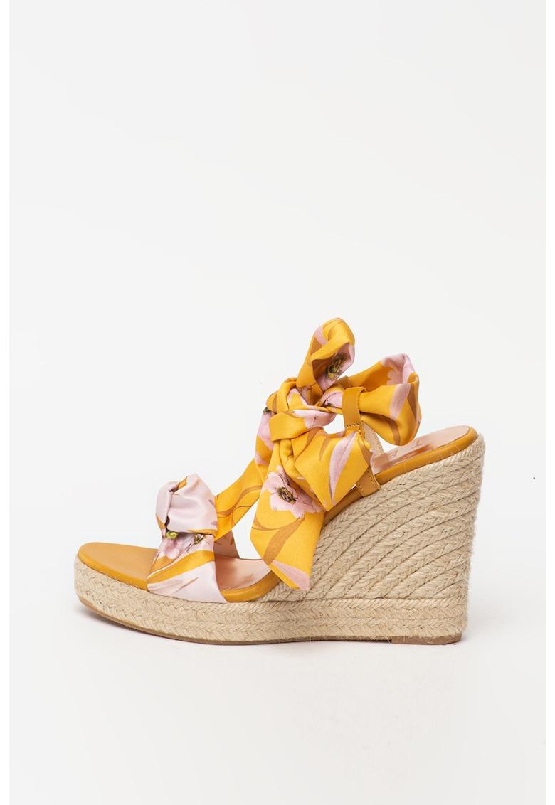 Sandale wedge tip espadrile cu model floral Kelissa
