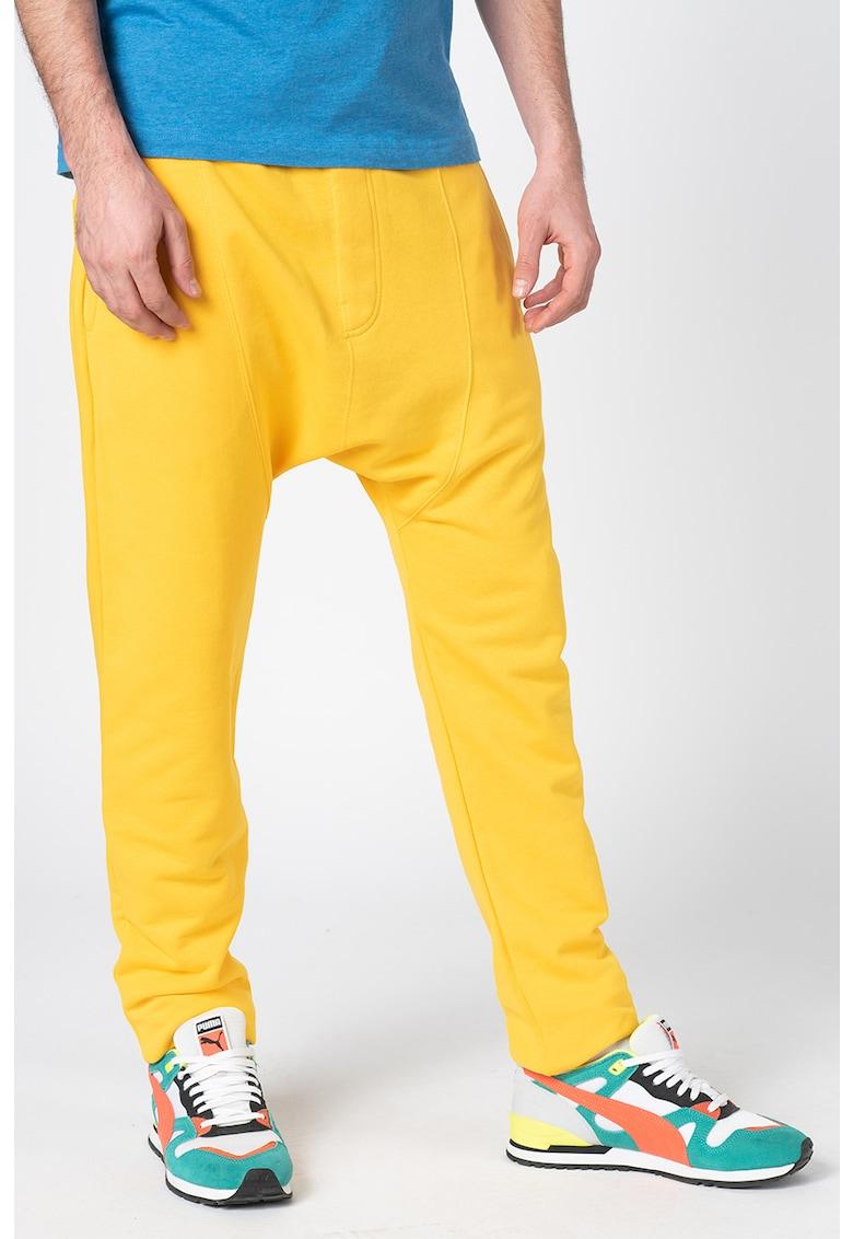 Pantaloni cu tur lasat - pentru fitness imagine fashiondays.ro 2021