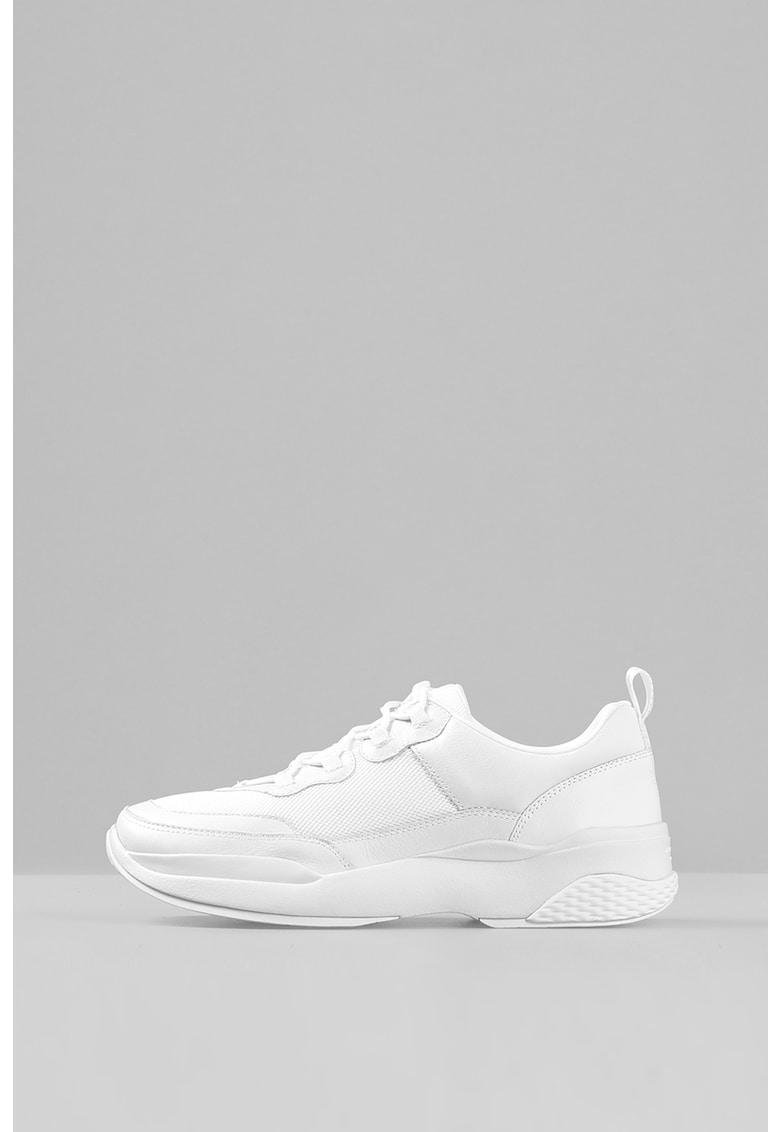 Pantofi sport de plasa si piele imagine