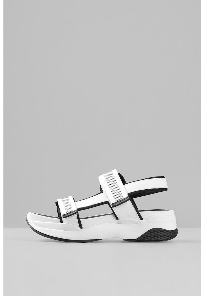 Sandale de piele cu talpa masiva si velcro Lori