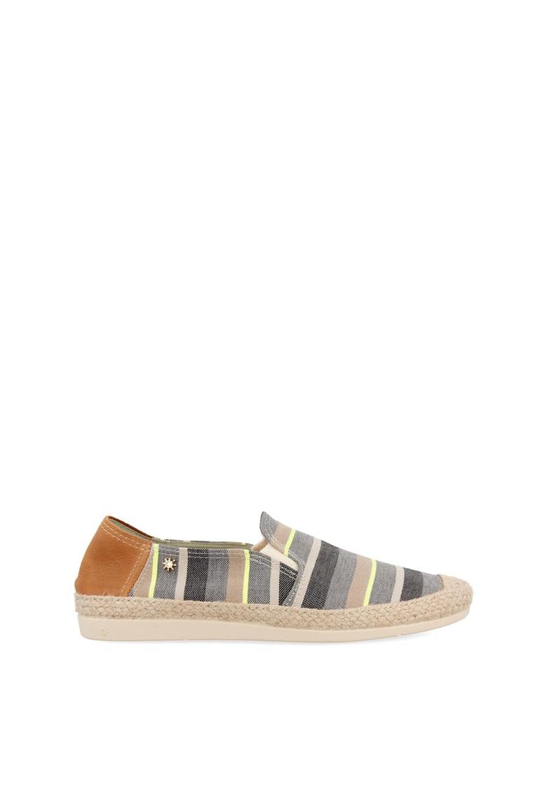 Pantofi loafer cu model in dungi imagine fashiondays.ro